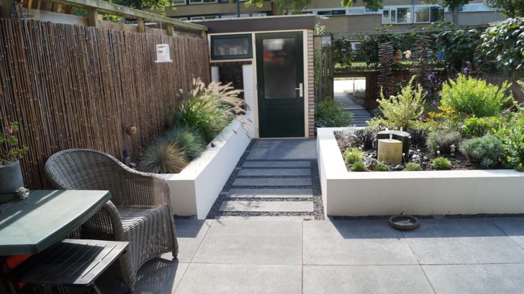Strakke moderne tuin montfoort utrecht vicas tuinontwerpen - Bamboe in bakken terras ...