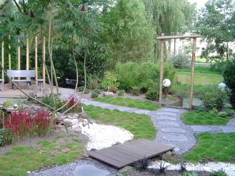 Tuin in japanse sfeer vicas tuinontwerpen for Tuinontwerpen achtertuin