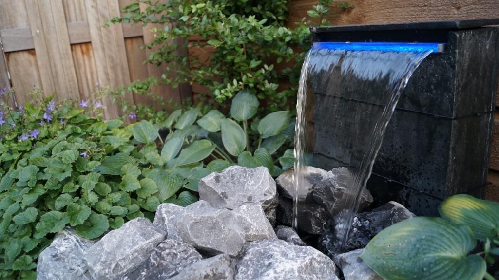 Tuinontwerp kleine tuin met flexibel terras vicas tuinontwerpen