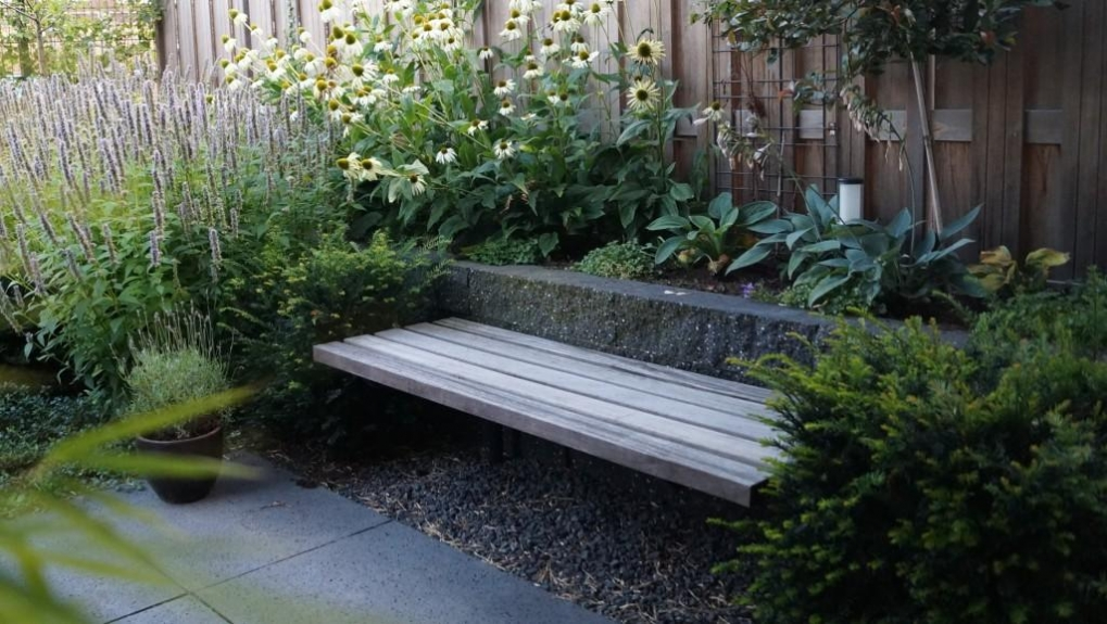 Tuinontwerp kleine tuin met flexibel terras vicas for Tuin opleiding