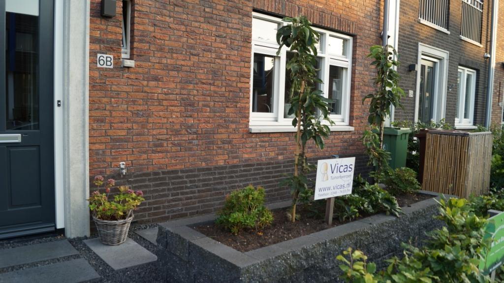 Tuinontwerp kleine tuin verhoogde border verrijdbare for Voortuin voorbeelden