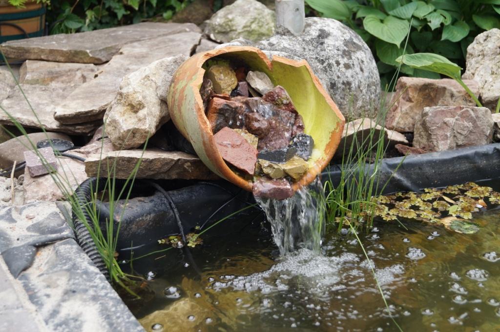 Romantische tuin vicas tuinontwerpen for Tuin en vijver