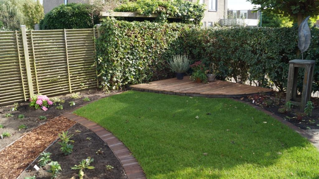 Woerden tuinontwerp gebogen lijnen vicas tuinontwerpen for Opleiding tuin