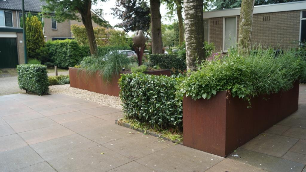 Tuinontwerp tuinieren met beperking rolstoel rollator verhoogde bakken - Woerden Utrecht