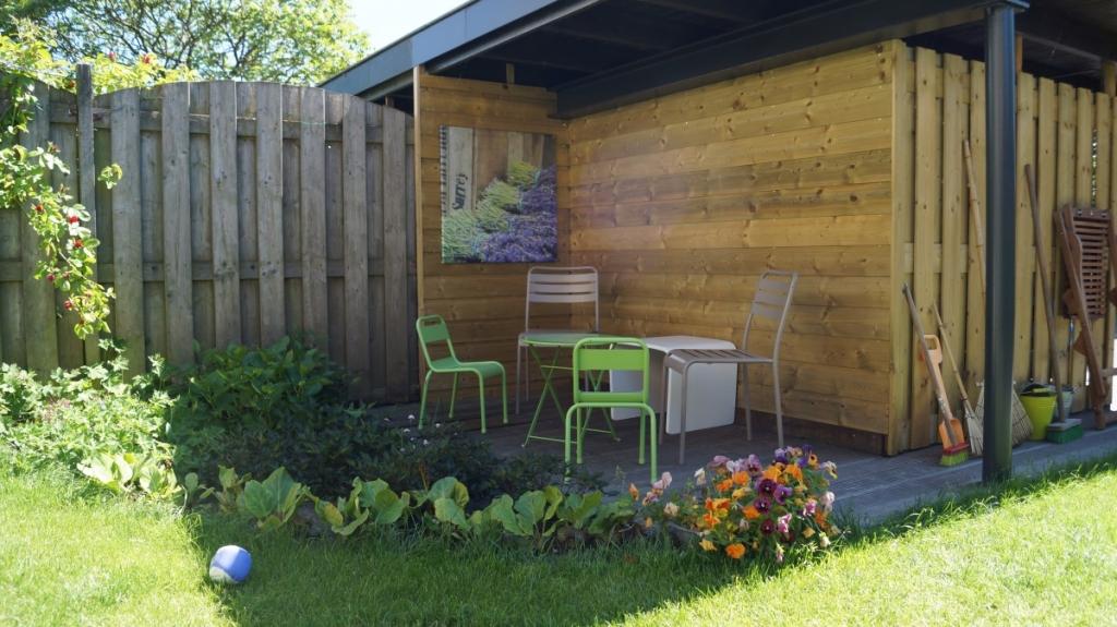 tuinontwerp kleine veranda carport