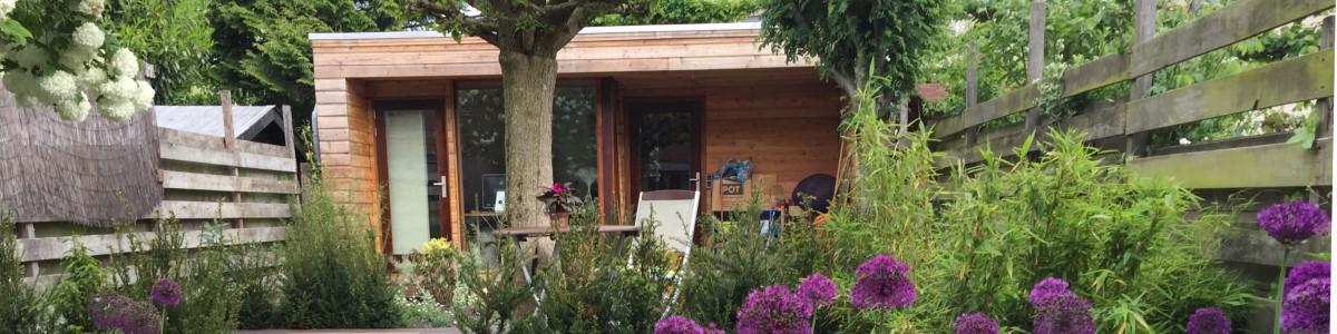 tuinontwerp met veranda en tuinkamer tuinkantoor tuinkamers